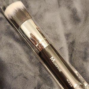 5/$25 Morphe M439 Brush
